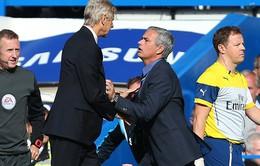 """Mourinho nói gì khi đồng nghiệp """"khó ưa"""" Wenger ra đi"""