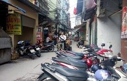 """Hà Nội: Xe ba gác, công nông tự chế """"hoành hành"""" các phố nhỏ"""