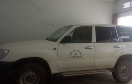 Khiển trách giám đốc bệnh viện biến xe cứu thương thành... xe riêng