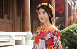 Hoa hậu Đỗ Mỹ Linh mặc áo dài truyền thống rạng rỡ tại Thượng Hải