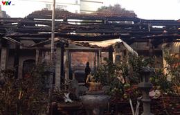 Chùa Tĩnh Lâu hoang tàn sau trận cháy lớn lúc nửa đêm