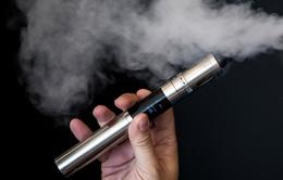 Mỹ cấm sử dụng thuốc lá điện tử trên máy bay