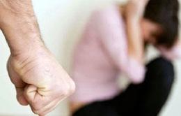 Ngăn chặn bạo lực đối với phụ nữ: Trở ngại từ sự cam chịu