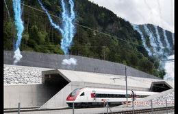 Hầm đường sắt dài nhất thế giới hoàn thành sau 17 năm thi công