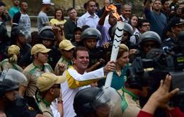 Ngọn đuốc Olympic đã tới Rio, sẵn sàng cháy rực ngày khai mạc