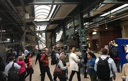 Tàu lao vào nhà ga ở Mỹ: 1 người chết, hơn 100 người bị thương
