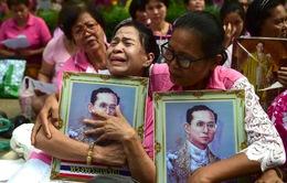 Thái Lan sẽ để tang Nhà vua Bhumibol Adulyadej 1 năm