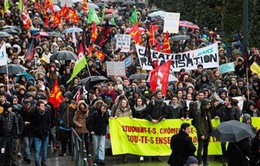 Thủ tướng Pháp tuyên bố có thể xem xét sửa đổi Luật lao động