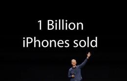 Doanh số sụt giảm, Apple vẫn 'ngồi trên đầu' đối thủ