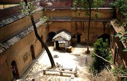 Kỳ lạ những ngôi làng nằm trong hang động hàng trăm năm