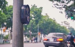 Nút bấm dành cho người đi bộ bị lãng quên trên phố phường Hà Nội