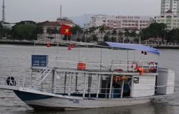 """Tàu bị lật trên sông Hàn đã hoạt động """"chui"""""""