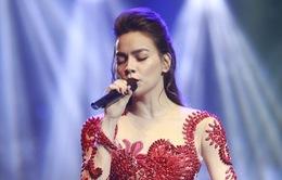 Quyết hủy show, Hồ Ngọc Hà trực tiếp về Quảng Bình hỗ trợ người dân vùng mưa lũ