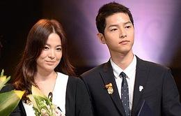 Song Hye lộ mặt tròn xoe kém sắc bên Song Joong Ki