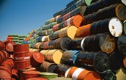 Giá dầu thế giới lao dốc mạnh do nguồn cung tăng