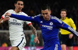 Hazard bị fan Chelsea la ó vì đổi áo giữa giờ nghỉ