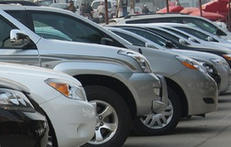 """Xe ô tô nhập khẩu: Tăng giá nhưng vẫn đắt như """"tôm tươi""""?"""