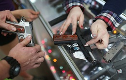 Mỹ: Kỳ lạ trạm xăng chỉ giảm giá cho người mang súng