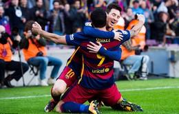 """Atletico Madrid """"chấp"""" 2 người, Barcelona ngược dòng ngoạn mục"""