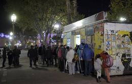 """""""Tủ lạnh xã hội"""" cung cấp thức ăn miễn phí cho người nghèo"""