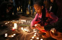 """Thế giới thắp sáng """"tinh thần Brussels"""" sau vụ khủng bố đẫm máu"""