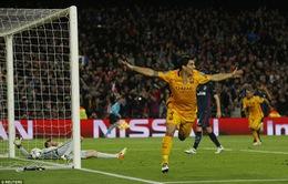 Barcelona 2-1 Atletico Madrid: Người hùng Suarez và tội đồ Torres
