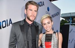 Liam Hemsworth tái khẳng định không đính hôn với Miley Cyrus