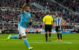 Aguero việt vị khi ghi bàn thứ 100 trong trận hòa bất ngờ của Man City