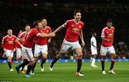 Man Utd 2-0 Crystal Palace: Darmian đe dọa hạng 4 của Arsenal
