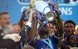 Video giây phút đăng quang của Leicester City - tân vương nước Anh