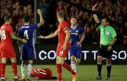 Fabregas xin lỗi vì tắc bóng ác ý với tân binh Liverpool