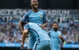 """Sterling tỏa sáng, Man City """"về cùng đội"""" với Man Utd, Chelsea"""