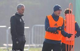 Schweinsteiger được tập luyện cùng đội một MU: Trở lại...để chuẩn bị ra đi ?!