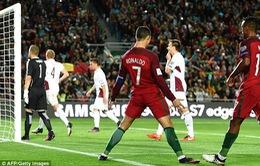 VIDEO, Bồ Đào Nha 4-1 Latvia: Ronaldo lập cú đúp & sút hỏng phạt đền