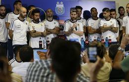 """Sau khi tỏa sáng, Messi gây """"sốc"""" với tuyên bố trước báo chí"""