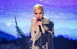 """Hậu bán kết The X-Factor, Lady Gaga bị nghi đụng """"dao kéo"""""""