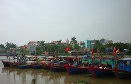 Áp thấp nhiệt đới gần bờ, TP.HCM cấm tàu thuyền ra khơi đánh bắt thủy sản