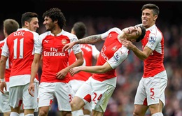 """""""Hủy diệt"""" Watford, Arsenal chưa từ bỏ tham vọng vô địch"""