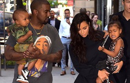 Kanye West và Kim siêu vòng 3 sống riêng, hôn nhân trục trặc?