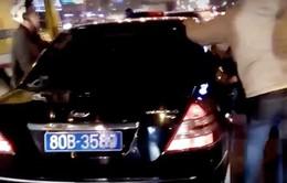 Xác định người lái xe ô tô biển xanh phóng chạy, gây tai nạn trên phố
