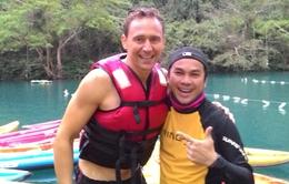 Chùm ảnh: 'Bắt quả tang' Tom Hiddleston 'bỏ diễn', kéo đồng nghiệp khám phá hang động Quảng Bình