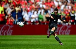 """VIDEO EURO 2016: Bale lập """"siêu phẩm"""" đá phạt vào lưới Joe Hart"""