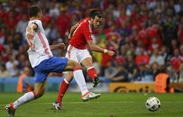 VIDEO EURO 2016: Gareth Bale tiếp tục lập công, Xứ Wales giành ngôi nhất bảng B