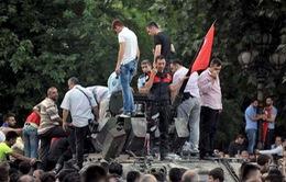 Người dân Thổ Nhĩ Kỳ không đầu hàng đảo chính