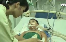 Mắc bệnh hiếm gặp, bé trai 8 tuổi nguy kịch