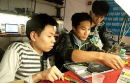Khát vọng đổi đời của chàng trai khuyết tật Nguyễn Hữu Chuyền