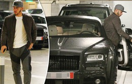 """""""Tay chơi"""" Memphis Depay khoe siêu xe Rolls Royce bạc tỷ"""