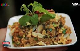 Khó quên hương vị gỏi cá trê nướng kiểu Thái