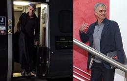 Mourinho chính thức đặt chân đến đại bản doanh của Man Utd