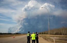 Canada ban bố tình trạng khẩn cấp do cháy rừng